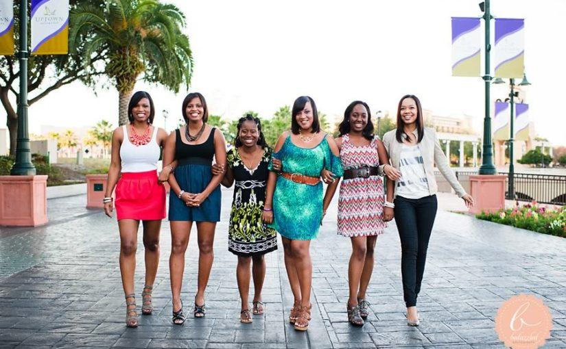 Strike a Pose! Bridal Party Photo Fun at Cranes Roost Park