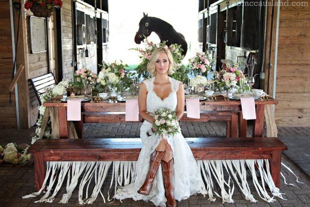 A Chair Affair Atmospheres Fl Ashley Shea Roberston Tabitha Mccausland Country Wedding