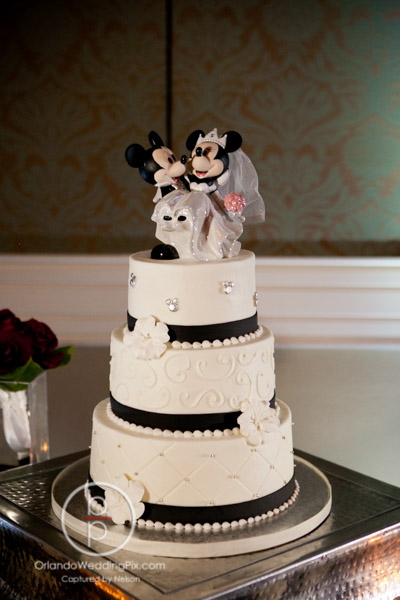 Minnie Mouse Wedding Cake Wedding Cake Flavors
