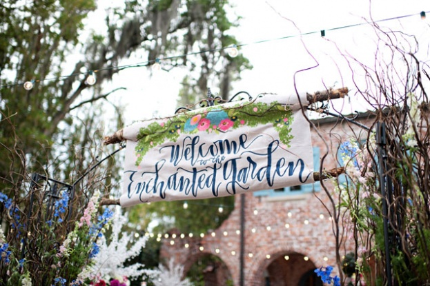 KristenWeaver_CasaFeliz_ACA_welcome-to-the-garden