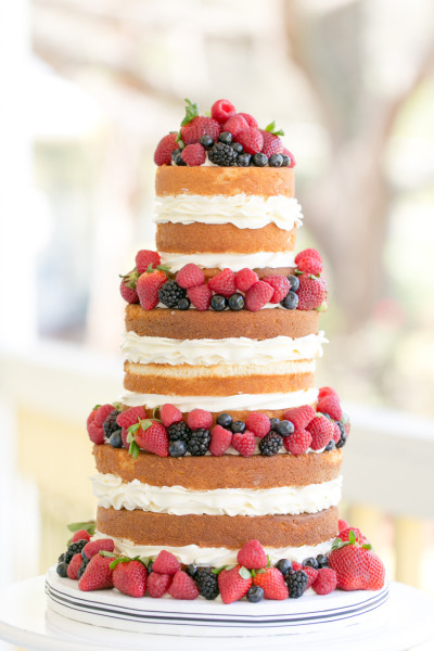 Amalie Orrange, Table 6 Productions, A Chair Affair, naked cake with berries