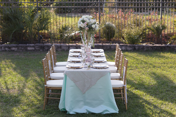 mint-green-wedding-tablescape
