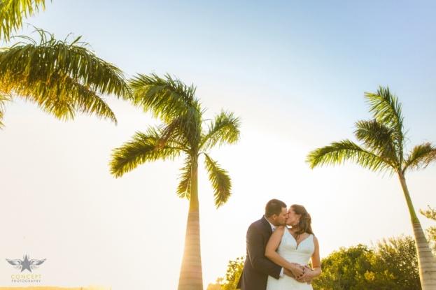 estate-on-the-halifax-a-chair-affair-bride-and-groom-kissing-orlando-wedding