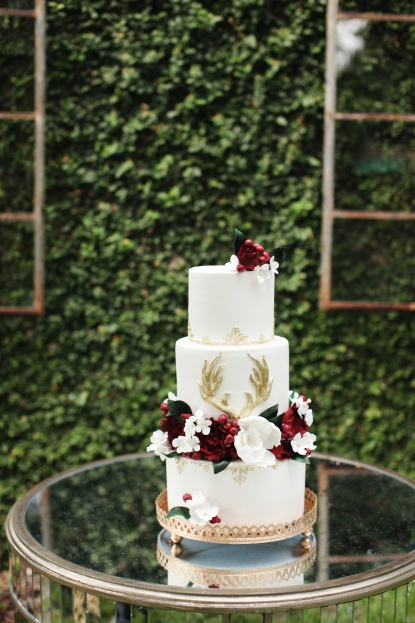 The Sugar Suite antler cake,Vine and Light Photography, The Acre, Winter Styled Shoot, A Chair Affair Event Rentals