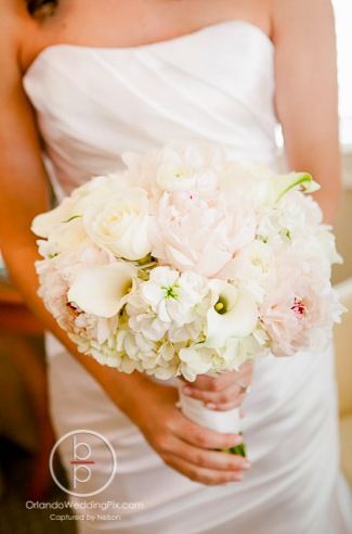 White bouquet, Orlando weddings, Interlachen Country Club, Orlando Wedding Pix, A Chair Affair rentals