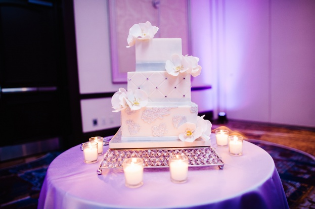 Best Photography, Wyndham Bonnet Creek, A Chair Affair event rentals, Orlando chair rentals, bling cake stand