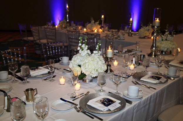 Rosen-Centre-Tab-McCausland-Photography-Silver-Glitter-Glass-Chargers-Flatware-Lee-Forrest-Design-A-Chair-Affair-Event