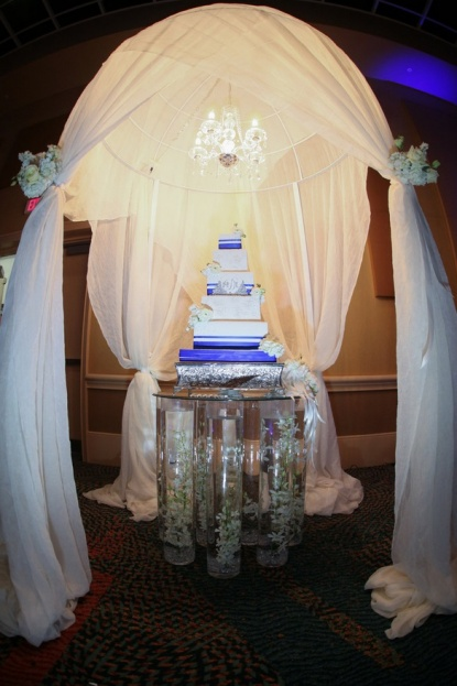 Rosen-Centre-Tab-McCausland-Photography-Square-Silver-Cake-Stands-The-Sugar-Suite-Lee-Forrest-Design-A-Chair-Affair-Event