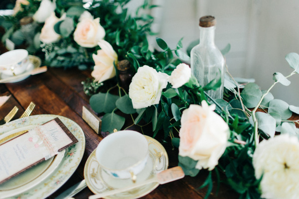The-Acre-The-Hons-Runway-Events-Rustic-Sweetheart-Table-Mismatched-China-Company-Forty-Two-A-Chair-Affair-Event