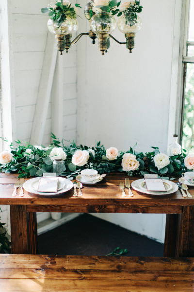 The-Acre-The-Hons-Rustic-Sweetheart-Table-Mismatched-China-Gold-Flatware-A-Chair-Affair-Event
