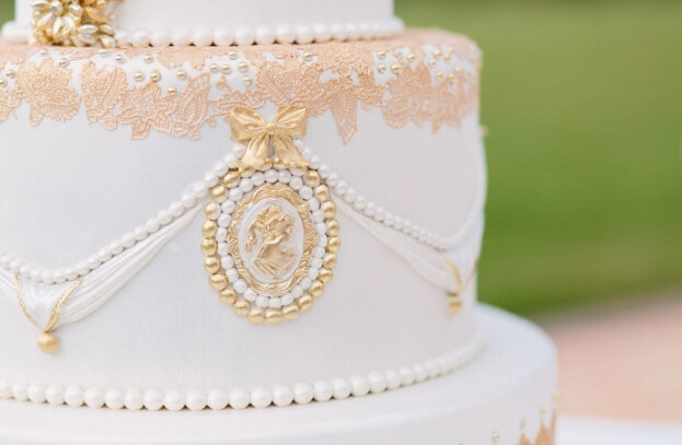 Gatsby Glam Wedding Cake, K and K Photography, 900 Park Street, A Chair Affair Event Rentals