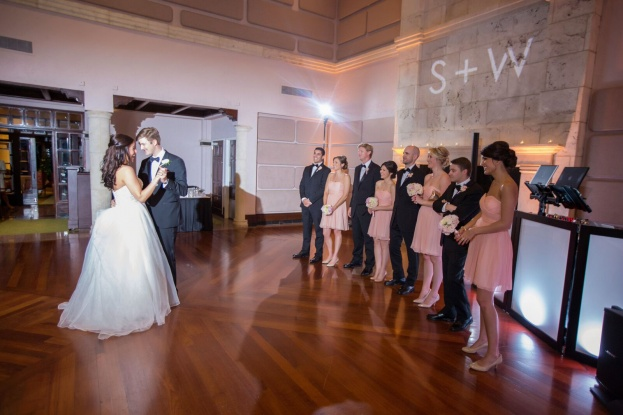 Isleworth Golf & Country Club: An Ivory and Gold Wedding