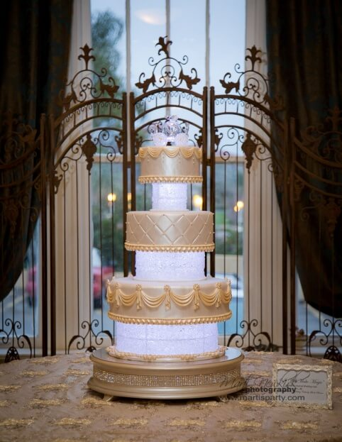 Lake-Mirror-Tower-Marti-Newkirk-Photography-Cinderella-Events-Wedding-Cakes-by-Linda-Brown-Gold-Wedding-Ideas-A-Chair-Affair-Event