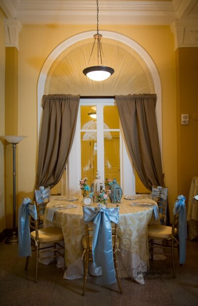 Lake-Mirror-Tower-Marti-Newkirk-Photography-Gold-Chiavari-Chairs-Connie-Duglan-Specialty-Linens-Gold-Wedding-Ideas-A-Chair-Affair-Event