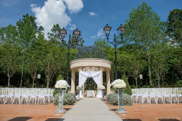 Loews Portofino Bay Hotel: A Dazzling Purple Wedding