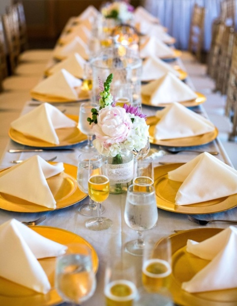 Stoneybrook-West-Golf-Club-ArtPhotoSoul-Photographers-Gold-Glass-Chargers-Vintage-Wedding-Ideas-Romantic-Ideas-A-Chair-Affair-Rentals