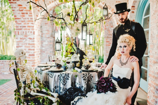 Casa Feliz: Raven Styled Wedding Inspiration