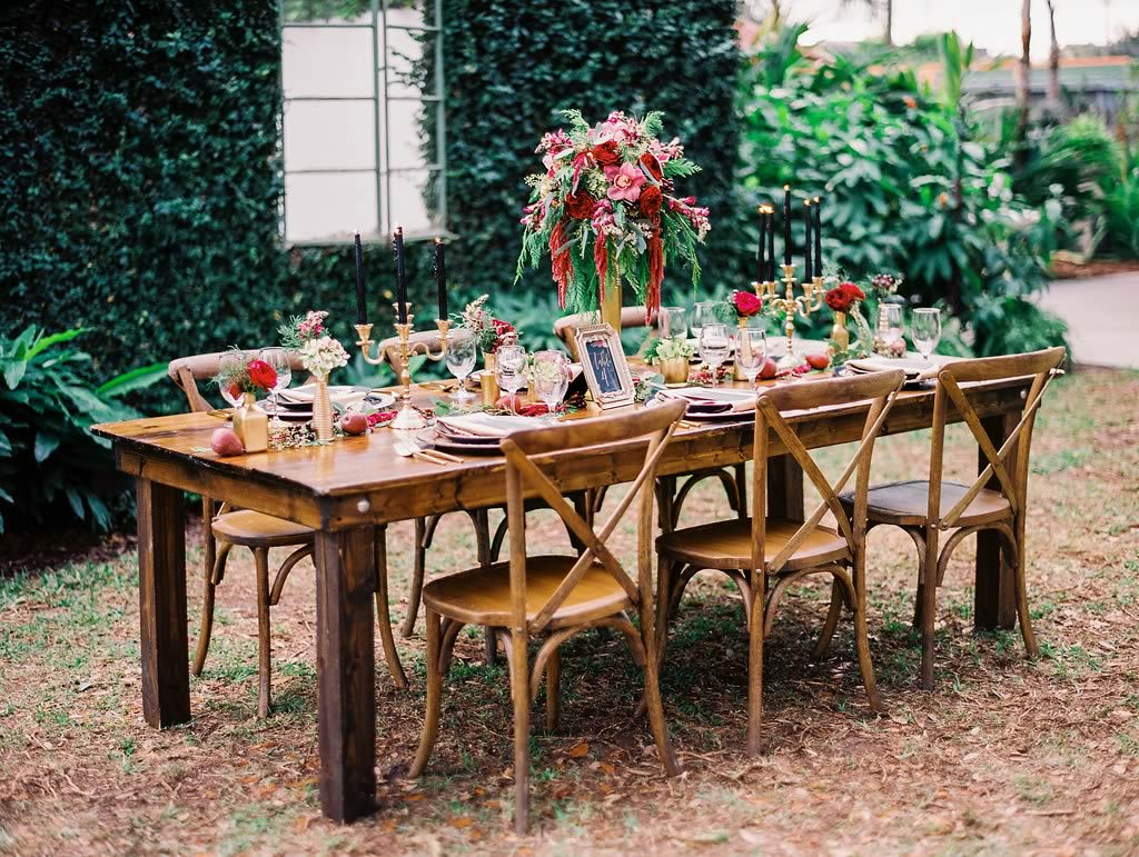 Dark Winter Wedding: Photoshoot Inspiration