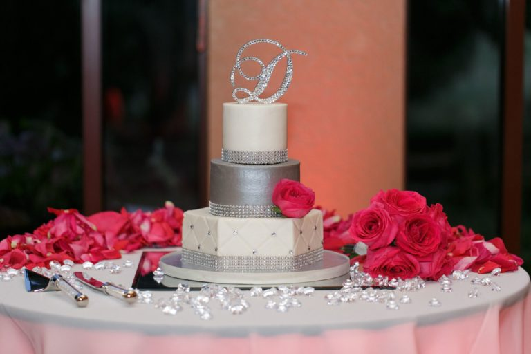 diamond white and sliver wedding cake