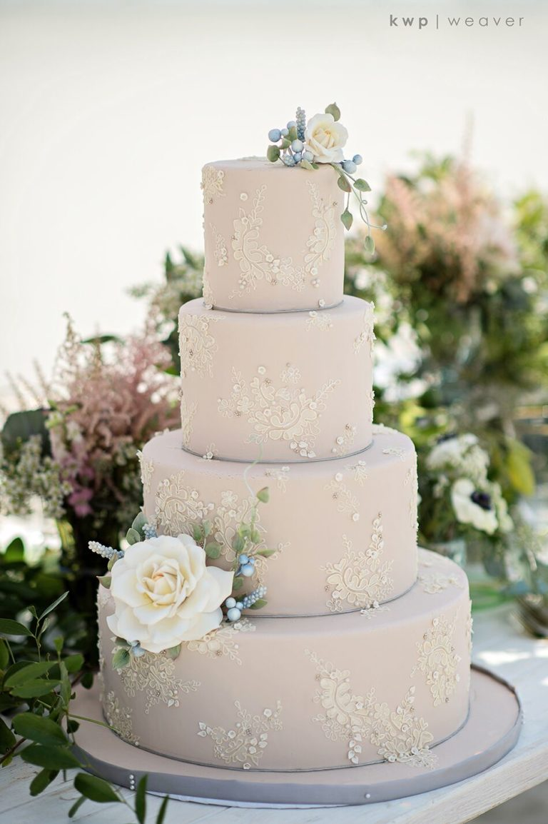 elegant seaside inspired shoot cake