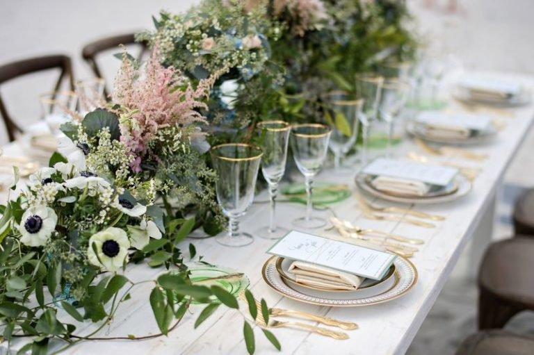 elegant seaside inspired shoot table decor