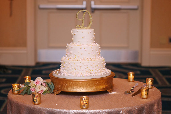 gold and blush wedding cake (3)