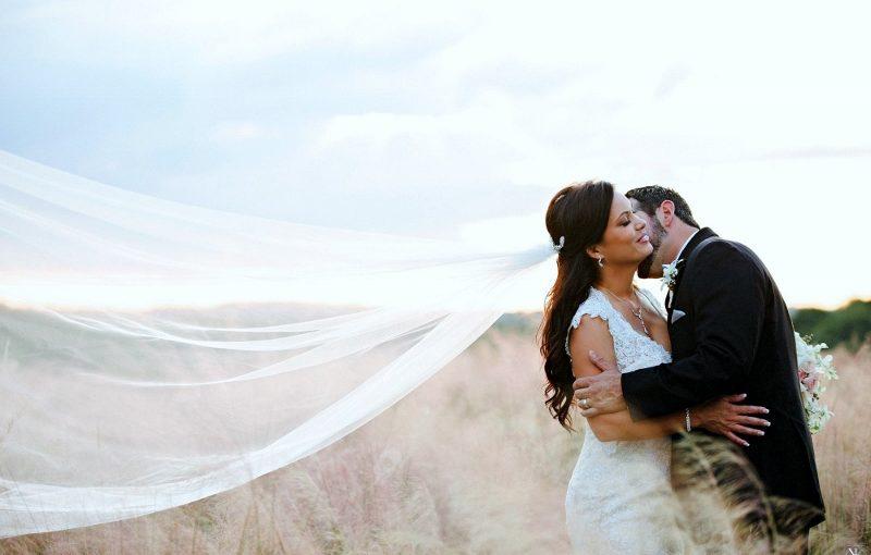intimate tuscan wedding bride and groom 1