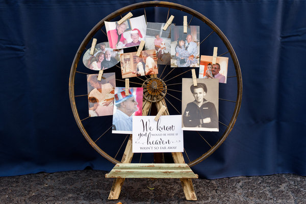 lange farm wedding picture wheel