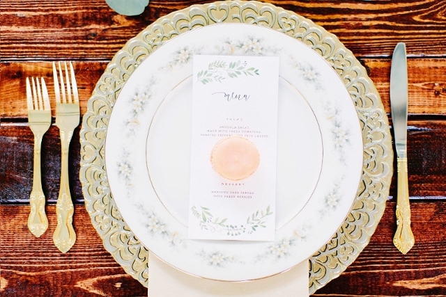 sydonie mansion style shoot mixed matched china, gold charger and flatware