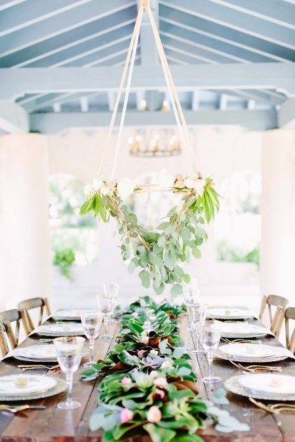 sydonie mansion style shoot table decor