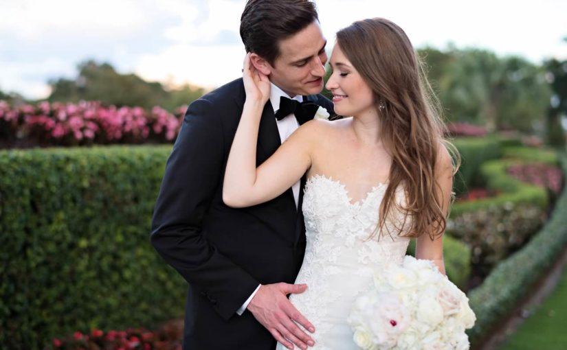 tented isleworth lakeside wedding bridal bouquet