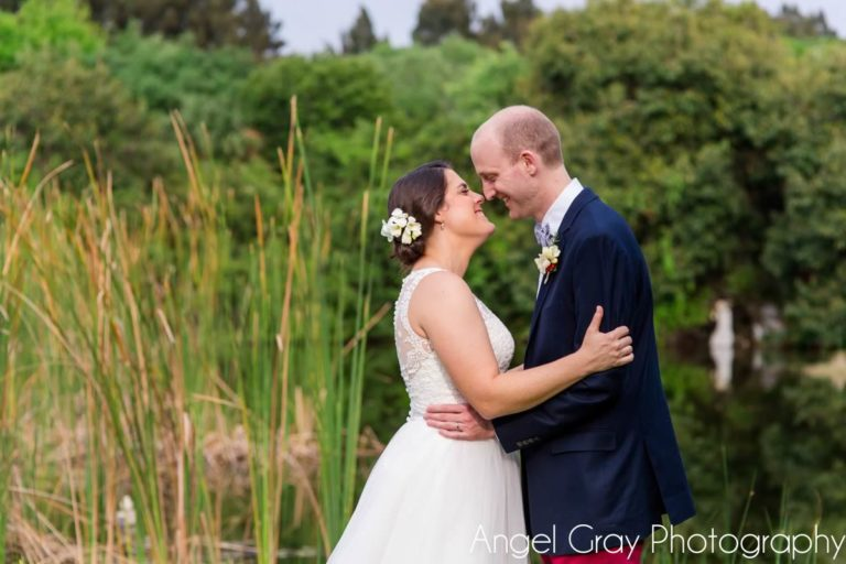 vibrant spring wedding bride and groom