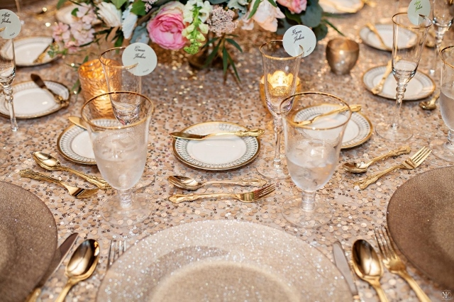 mcKee botanical garden wedding charger, china, flatware, stemware 2 (800x533) (640x426)
