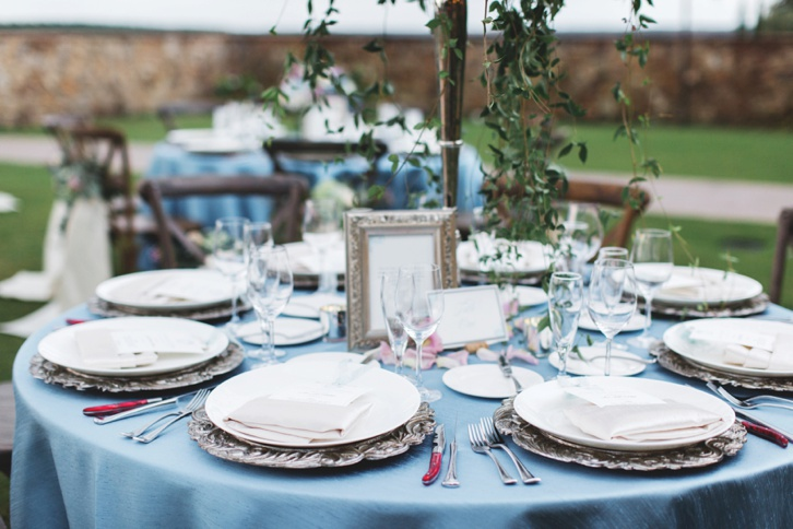 rustic and romantic wedding reception table settings