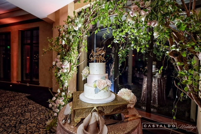 blush and gold at bella collina cake
