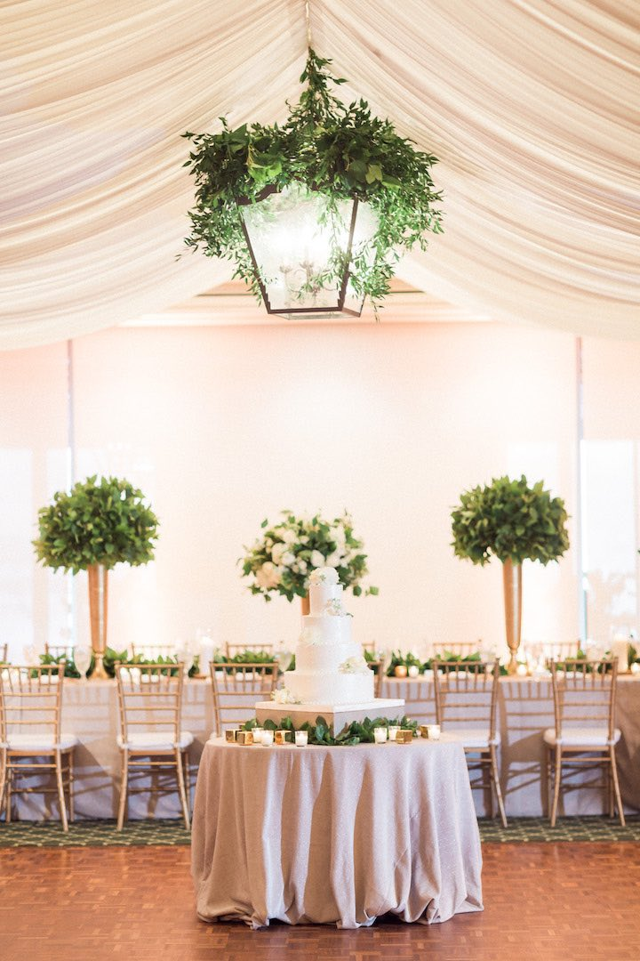 elegant green and gold wedding decor
