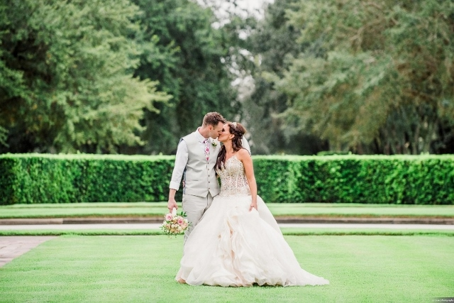 Rich Cream and Shimmering Gold: Janine and Russell's Reunion Resort Wedding