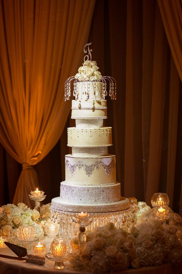 ivory and gold bella collina wedding, cake