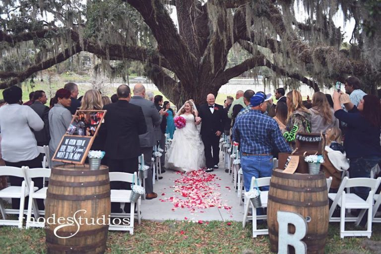 Highland Manor Wedding ceremony barrels