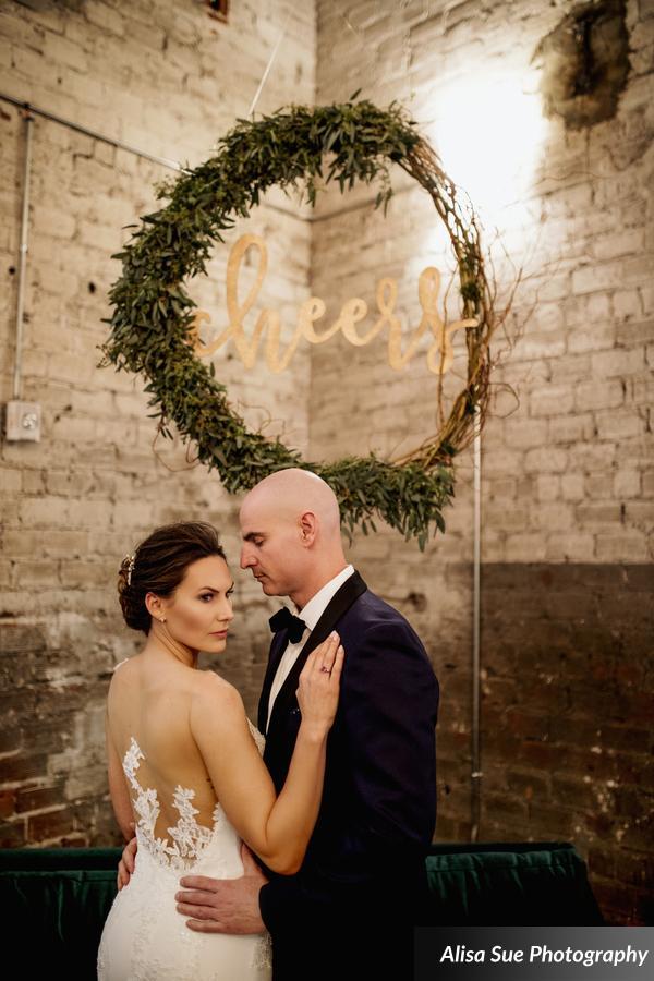 rialto theatre wedding bride and groom (2)