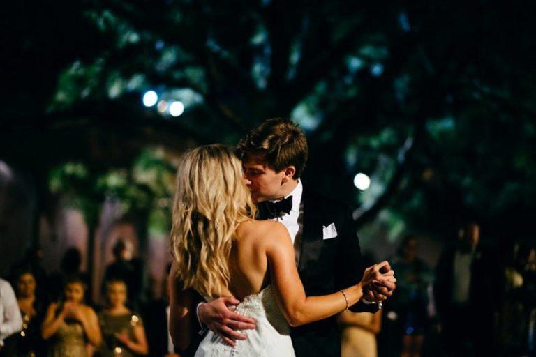 Ringling Museum Wedding reception newlyweds