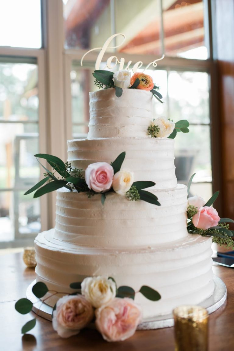 Skyline ranch wedding a chair affair wedding cake