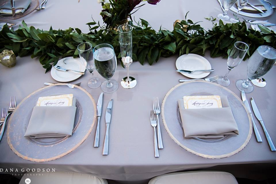 St. augustine wedding a chair affair gold rim chargers 1