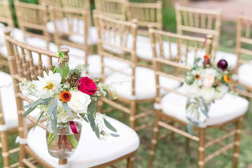 Casa Feliz Wedding A Chair Affair gold chiavari chairs ceremony 1