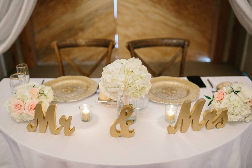 October Oaks Farm Wedding A Chair Affair mahogany french country chairs gold octo chargers 2