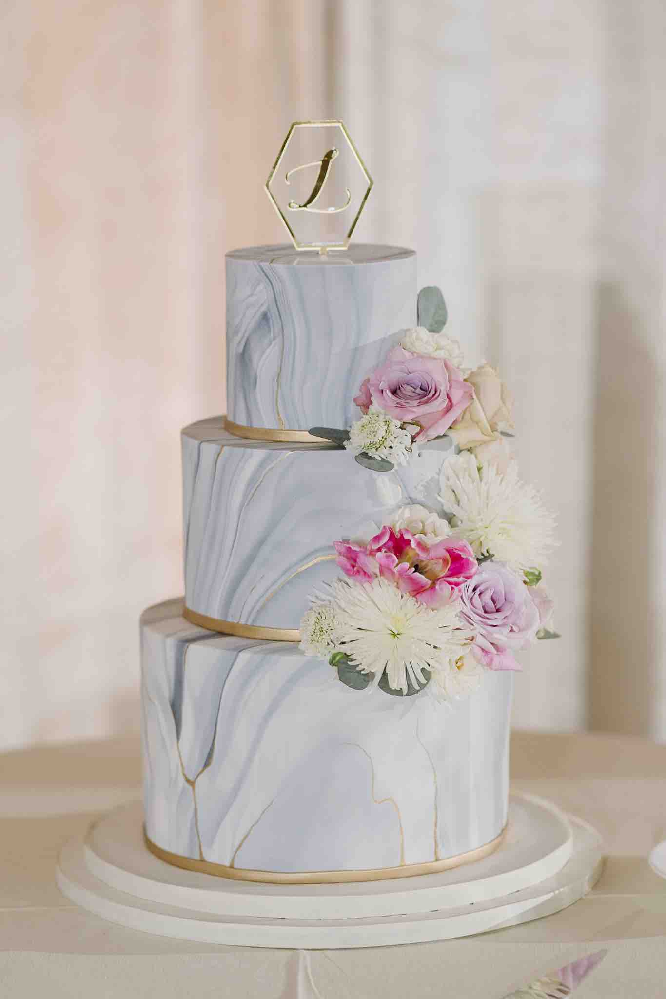 Alfond Inn wedding Winter Park A Chair Affair Sprinkles Cakes marbled cake Sunglow Photography