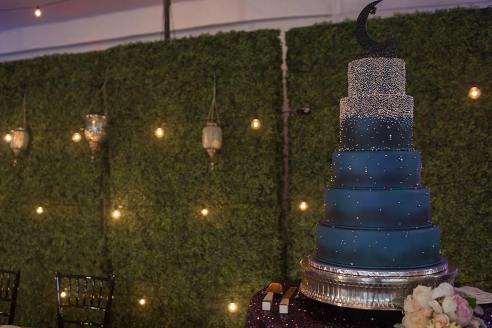 playful hilton orlando bonnet creek wedding a chair affair cake hedge walls