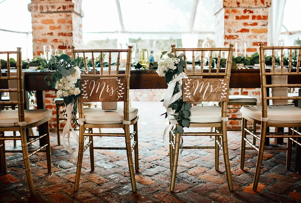 Casa-Feliz-Wedding-A-Chair-Affair-Farm-Tables-Chiavari-chairs-Mr-and-Mrs-Signs.