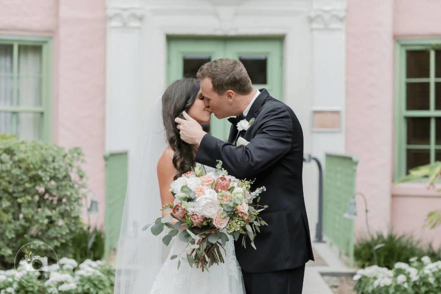 1bd42e9149ba Charming Vinoy Renaissance St. Petersburg Wedding