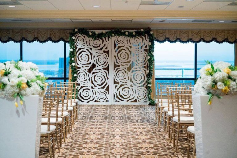 Tampa Club Golden Wedding Ceremony Decoration